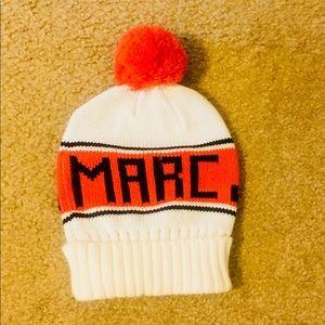 Marc Jacobs pom pom beanie